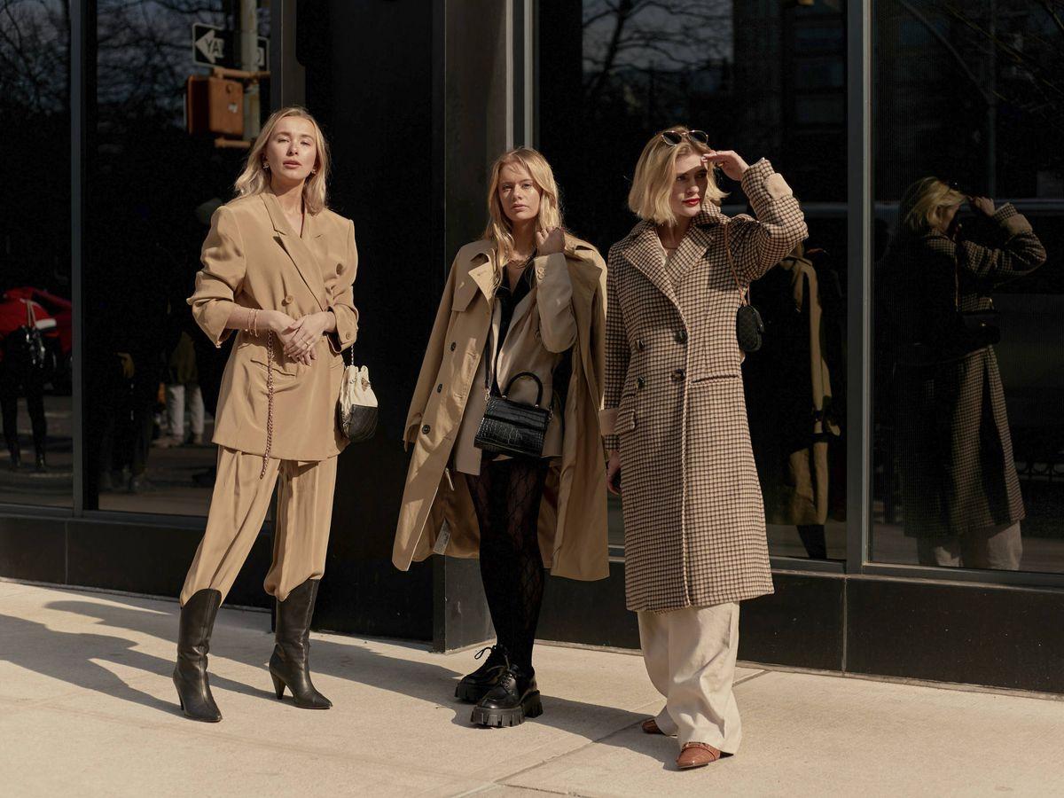 Foto: Es el abrigo básico y también el preferido de las insiders. (Imaxtree)