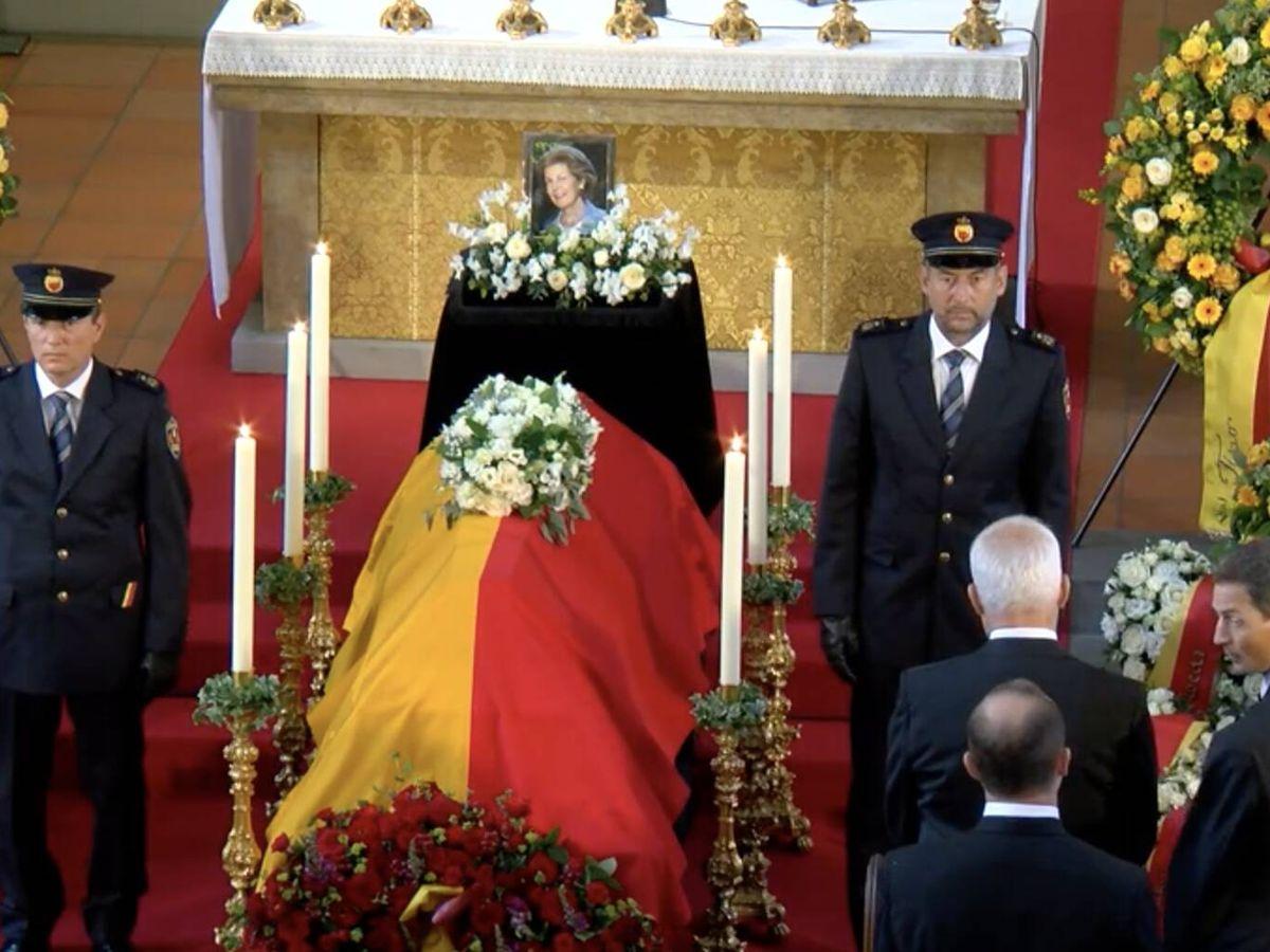 Foto: Imagen del funeral, retransmitido por la televisión pública. (Landeskanal.li)