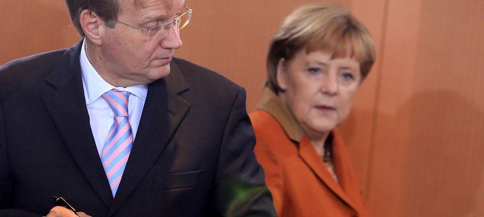 El 'fontanero' del Gobierno alemán abandona a Merkel por otra mujer