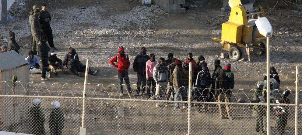 España paga 500 dólares a inmigrantes que esperan en la frontera marroquí por retornar