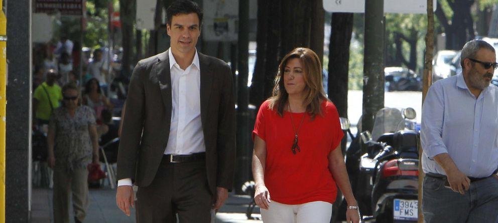 Foto: Pedro Sánchez junto a Susana Díaz (Efe)