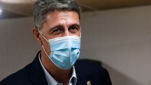 El alcalde de Badalona se desmaya en su despacho en plena 'guerra' por su gestión