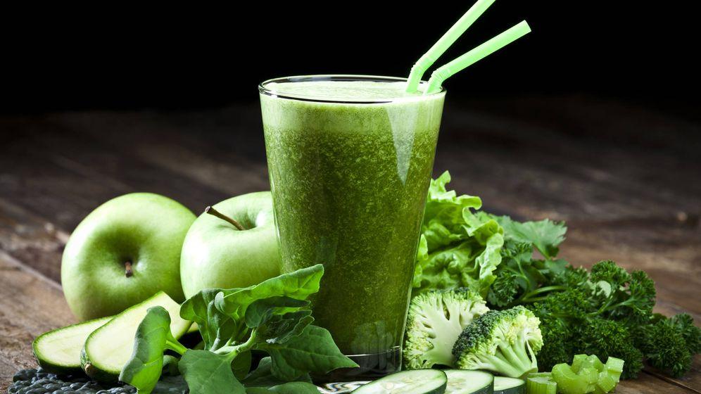 Foto: Batido hecho de alimentos verdes. (iStock)