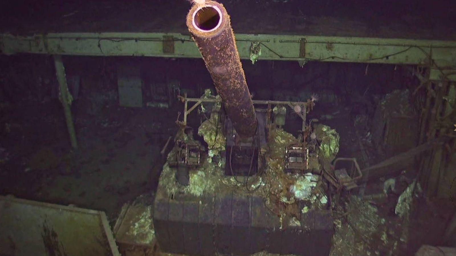 Foto: Los cañones siguen apuntando hacia arriba 76 años después (Foto: Twitter)
