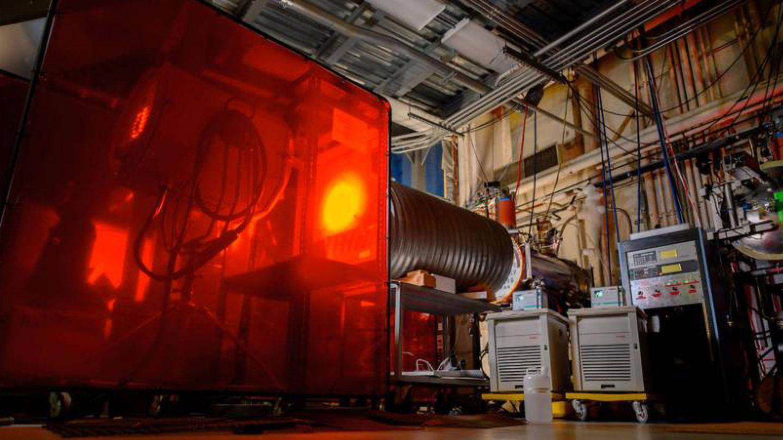 Uno de los experimentos de paneles solares para una posible estación eléctrica solar en el espacio americana