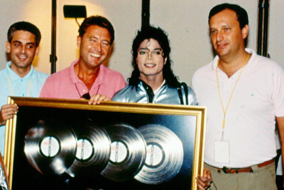 Foto: Simone Bosé, Manolo Díaz, Michael Jackson y Adrian Vogel. (Foca)