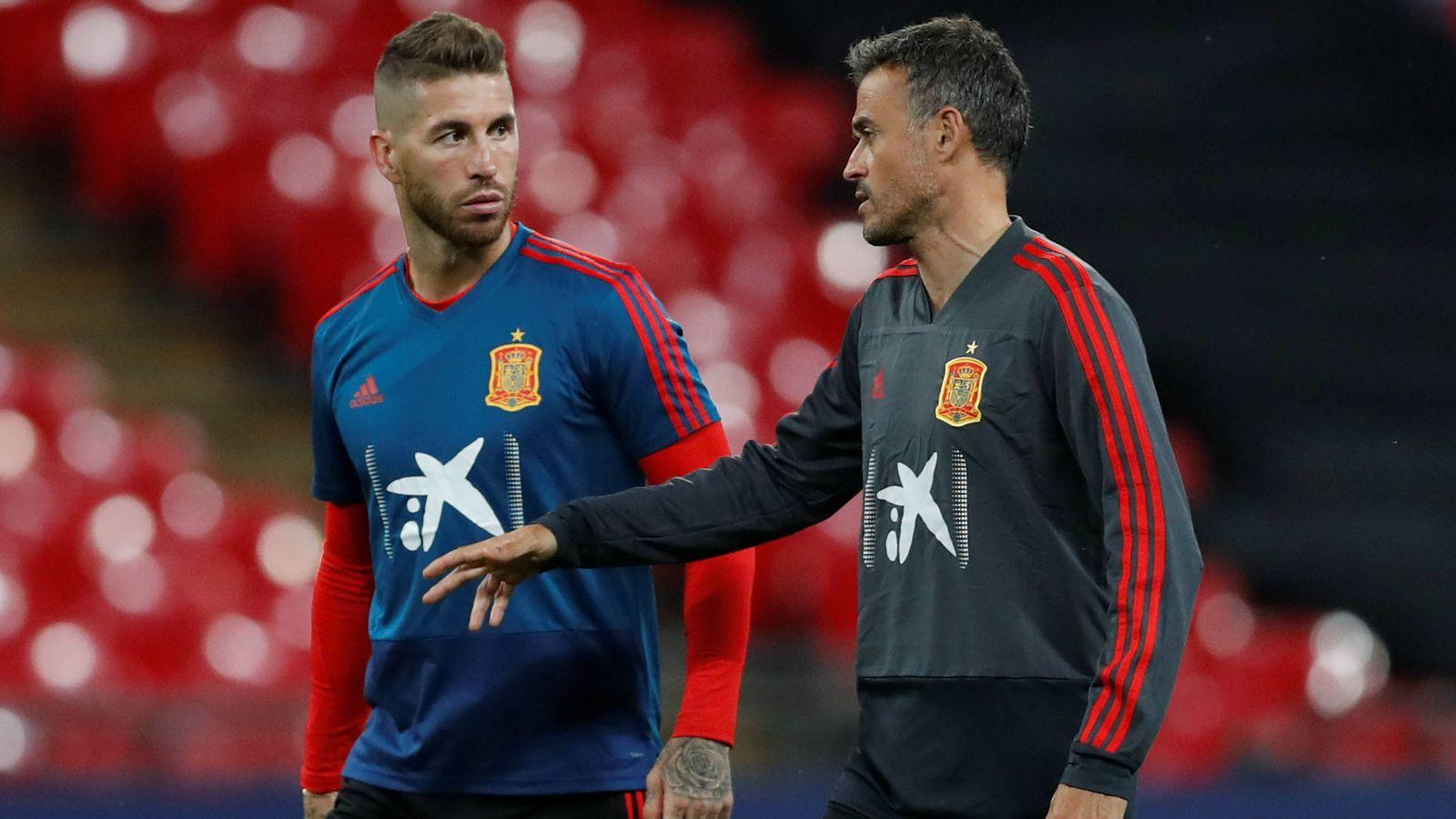 Foto: Ramos y Luis Enrique hablan en un entrenamiento. (Reuters)