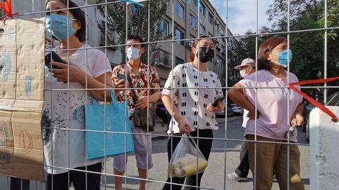 China suma 64 casos y una ciudad se declara en modo de guerra para evitar un rebrote