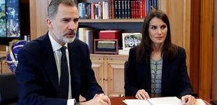 Post de ¿Quién tiene el mando en Zarzuela? Lo que han visto Felipe y Letizia este confinamiento