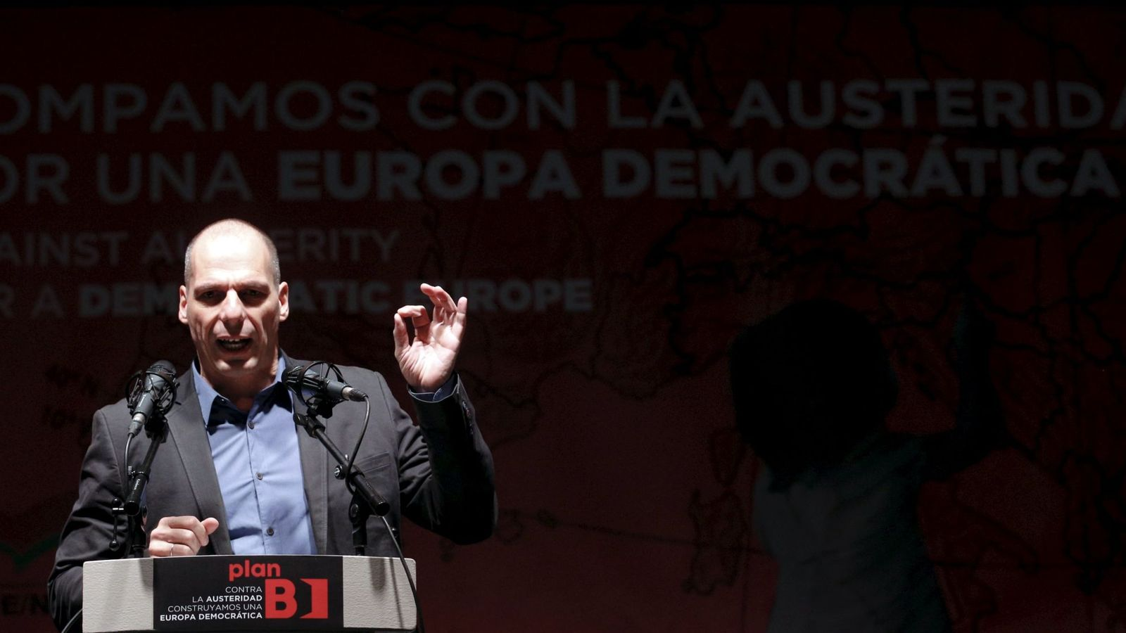 Foto: El exministro de finanzas de Grecia Yanis Varufakis, en la presentación del 'Plan B para Europa' en Madrid. (EFE)