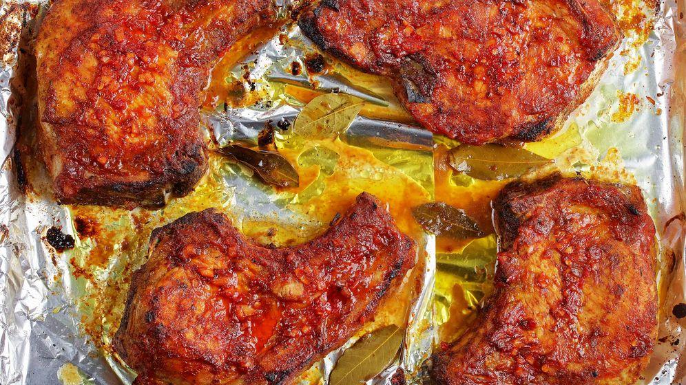 Foto: Chuletas al horno adobadas. (iStock)