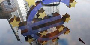 El 70% de los españoles aún añora la peseta y culpa al euro de los males de la crisis