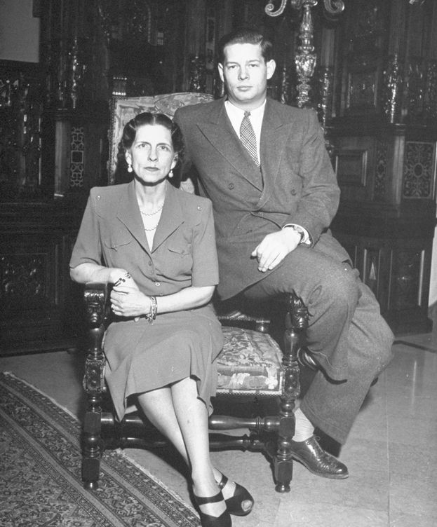 Foto: El rey Miguel de Rumanía, con su madre, Elena. (Getty)