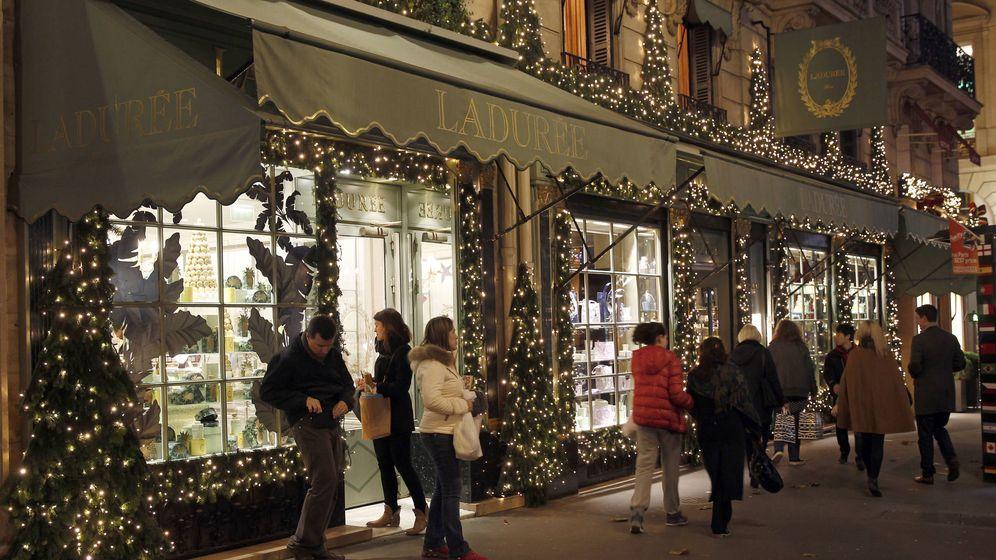 Foto: La rue Royale en París iluminada por Navidad (Getty Images)