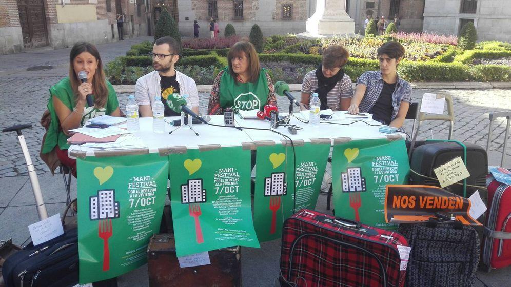 Foto: La rueda de prensa convocada este miércoles antes de la entrega de firmas. (M. Z.)