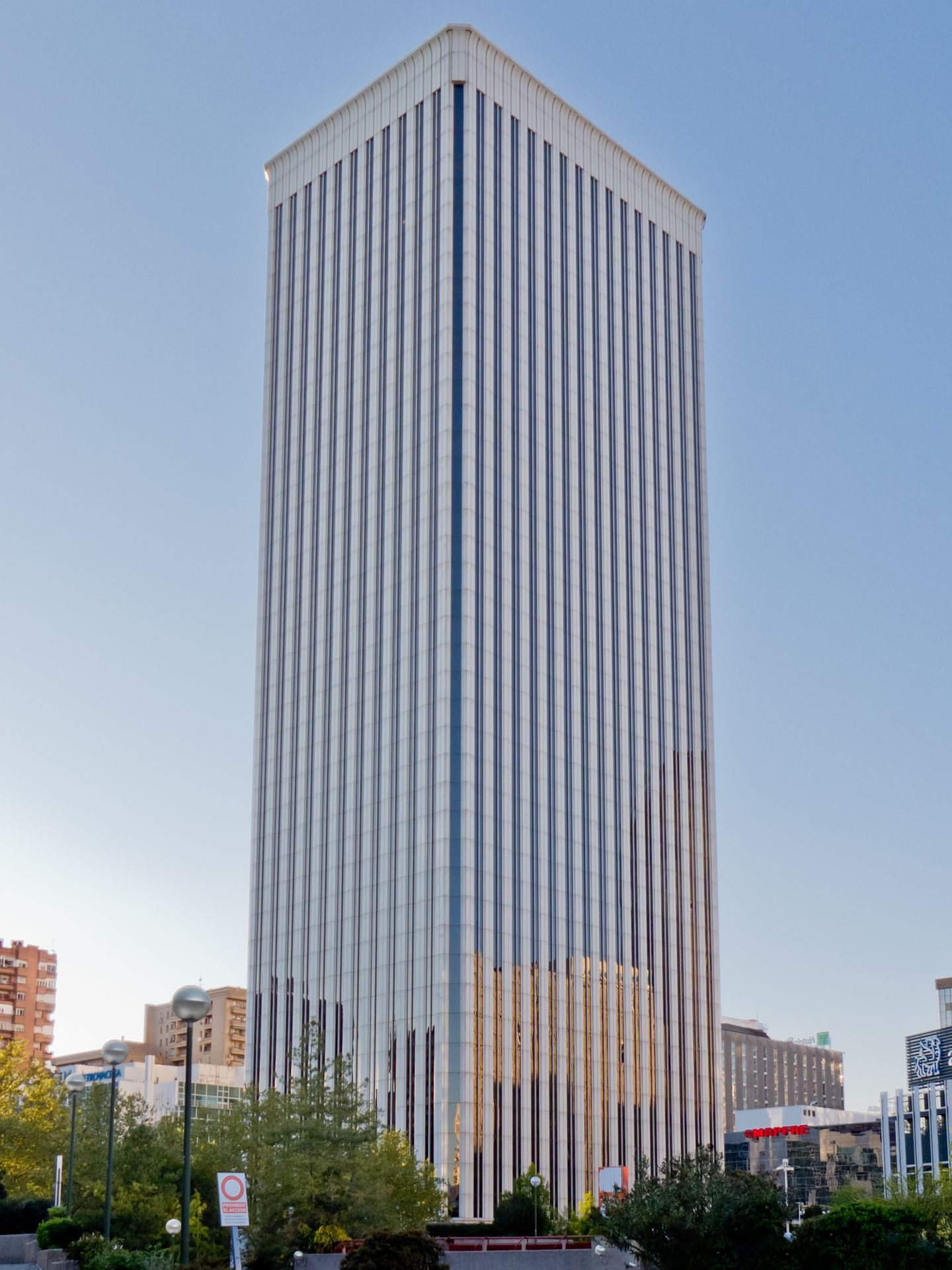 Torre Picasso. (Carlos Delgado)