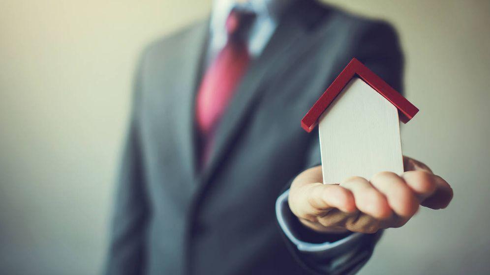 Foto: He heredado un piso, ¿qué impuestos debo pagar si decido venderlo? (iStock)