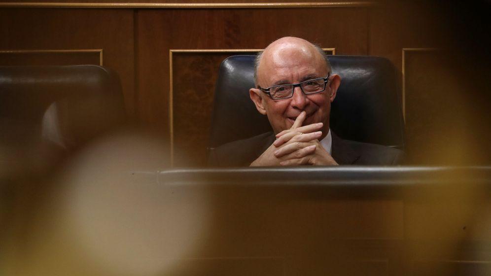 Foto: El ministro de Hacienda, Cristóbal Montoro, en el Congreso. (Reuters)