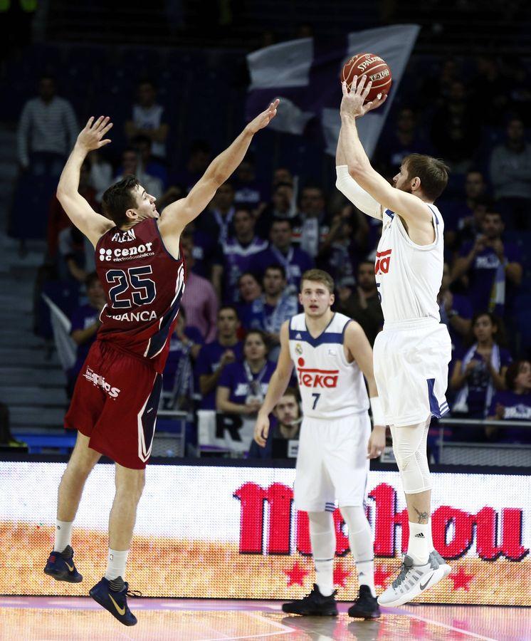 Foto: Nocioni metió 5 de los 18 triples del Real Madrid (ACB Photo/Á. Martínez)