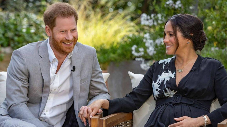 Harry y Meghan durante su entrevista con Oprah. (Instagram @cbstv)