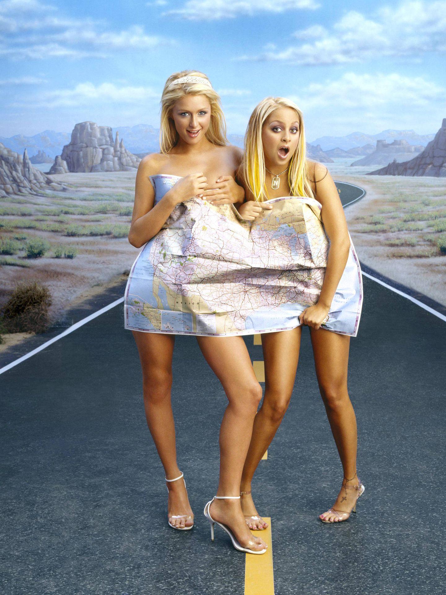 Paris Hilton y Nicole Richie, en 'Simple Life' 2004. (Cordon Press)
