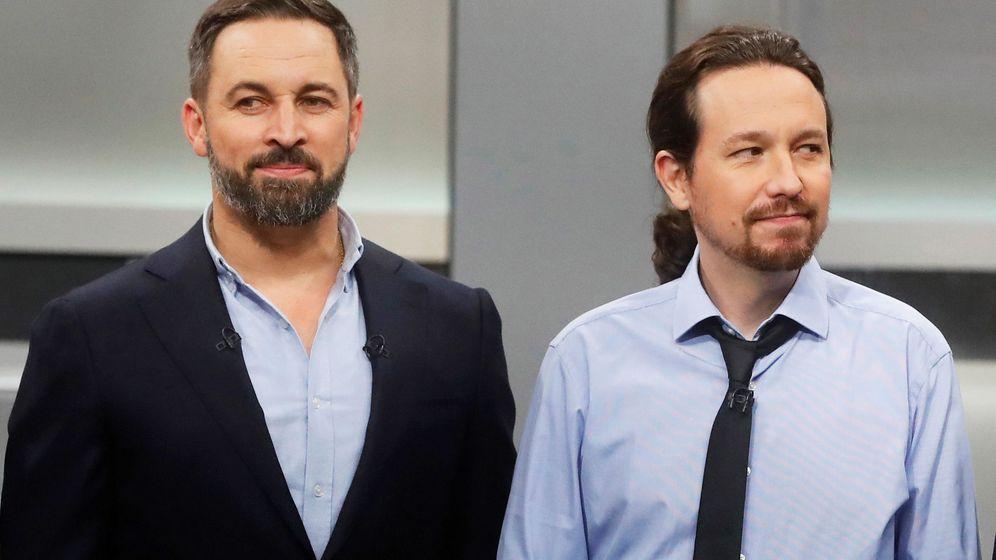 Foto: Santiago Abascal y Pablo Iglesias antes del debate televisivo del lunes. (EFE)