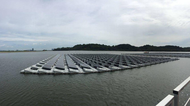 Tinta 'solar' y paneles flotantes: avances que revolucionarán las renovables en el futuro