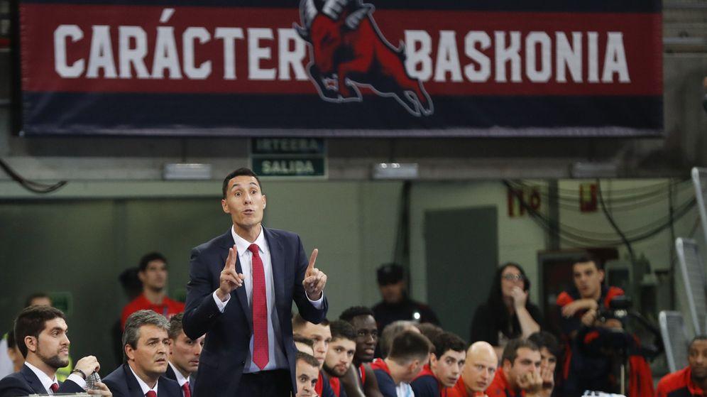 Foto: El Baskonia-Valencia Basket de este miércoles fue el último partido de Pablo Prigioni como entrenador baskonista. (EFE)