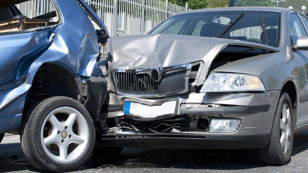 Foto: Imagen de un accidente entre dos vehículos.