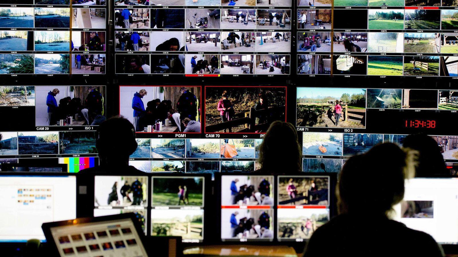 Foto: Imagen de archivo de una sala de control en televisión. (Reuters)