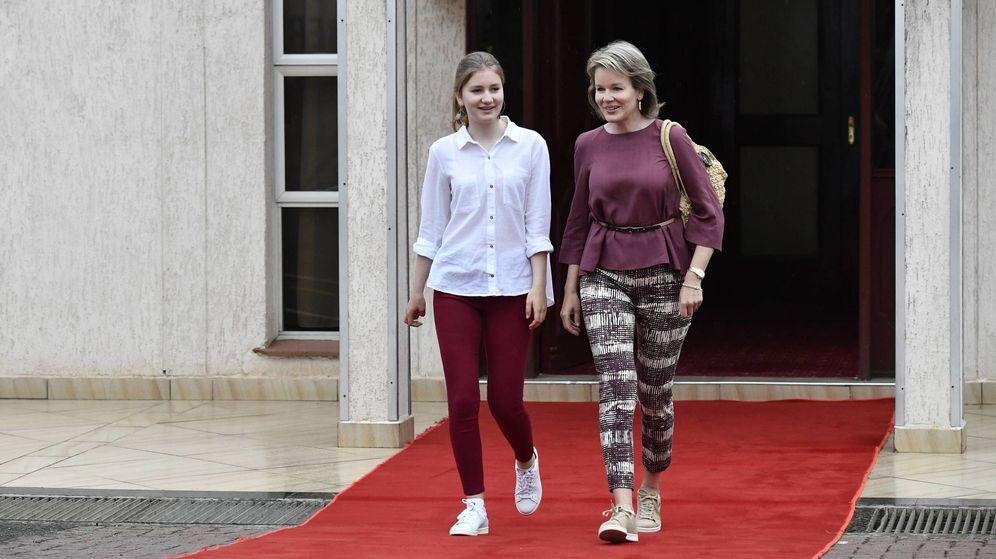 Foto: La reina Matilde y la princesa Elisabeth en Kenia. (CP)