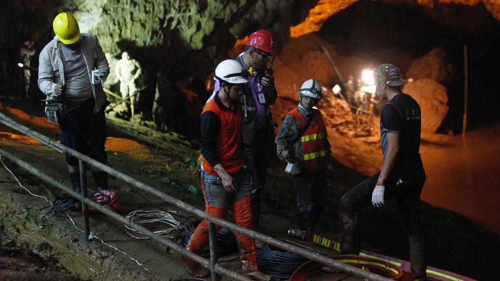 Los niños atrapados en una cueva de Tailandia podrían tardar meses en salir