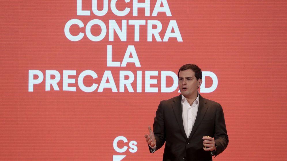 Foto: Albert Rivera, presidente de Ciudadanos, durante la presentación de la reforma laboral que propone su partido. (EFE)
