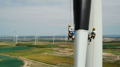 La Generalitat retrasa 35 veces más energía renovable de la que impulsa con su nuevo decreto