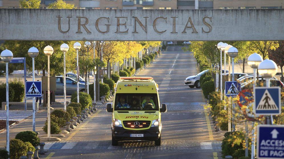 Foto: La entrada de Urgencias del Hospital de Alcorcón. (EFE)