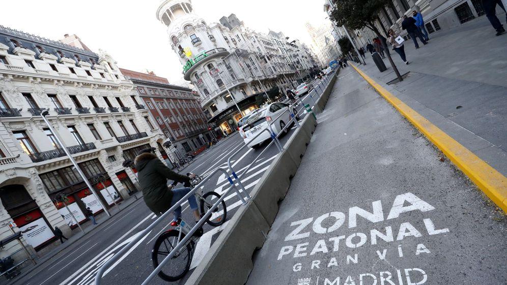 Foto: Vista de la zona peatonal en la Gran Vía de Madrid. (EFE)