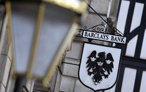 Caixa ofrece en Barclays menos que en los ERE de B. Cívica y Valencia