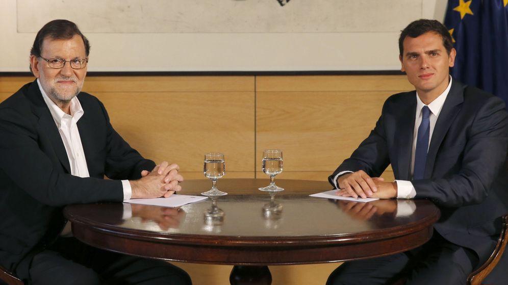 Foto: PP-C's: condenados a entenderse en Madrid, obligados a distanciarse en Euskadi. (EFE)