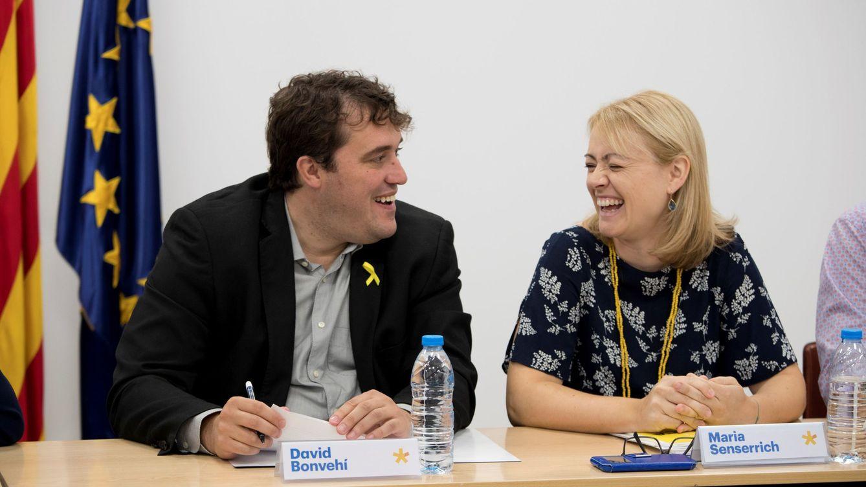 Foto: El presidente del PDeCAT David Bonvehí (i) junto a Maria Senserrich (d) en una reunión del PDCAT.