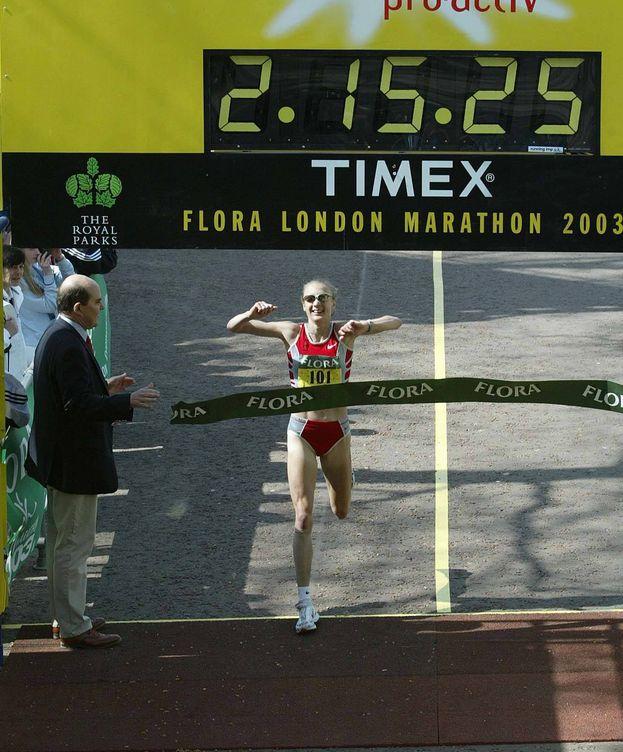 Foto: Paul Radcliffe batió el récord de maratón en abril de 2003 en Londres. (Reuters)