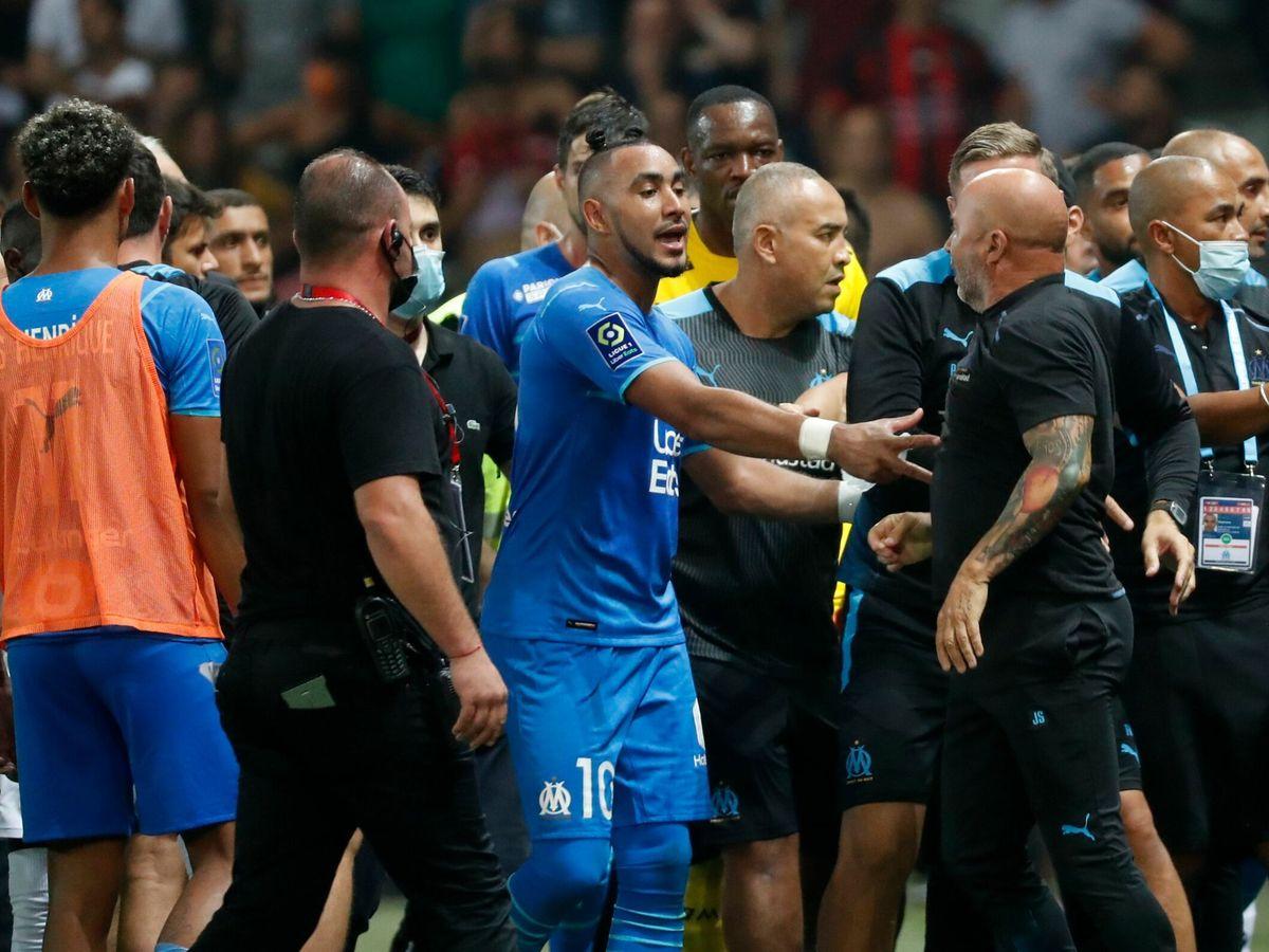 Foto: Payet, jugador del Marsella, abandona el campo del Niza
