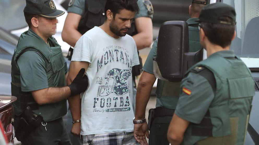 Mossos, Policía y Guardia Civil buscan cibercontactos de la célula yihadista