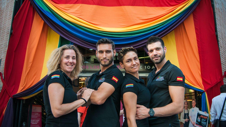 Foto: Begoña, Rufino, Elena e Iván, la junta de LGTBIpol. (Foto: Carmen Castellón)