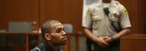 Rihanna acompaña a Chris Brown a los tribunales