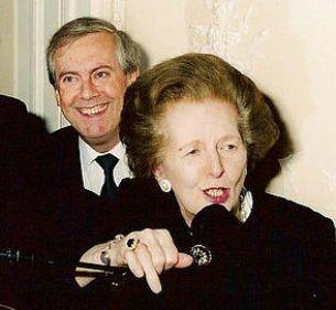 El autor, junto a su amiga Margaret Thatcher.