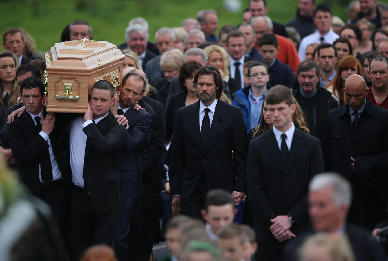 Foto: Jim Carrey en el funeral de Cathriona White en Irlanda (Gtres)