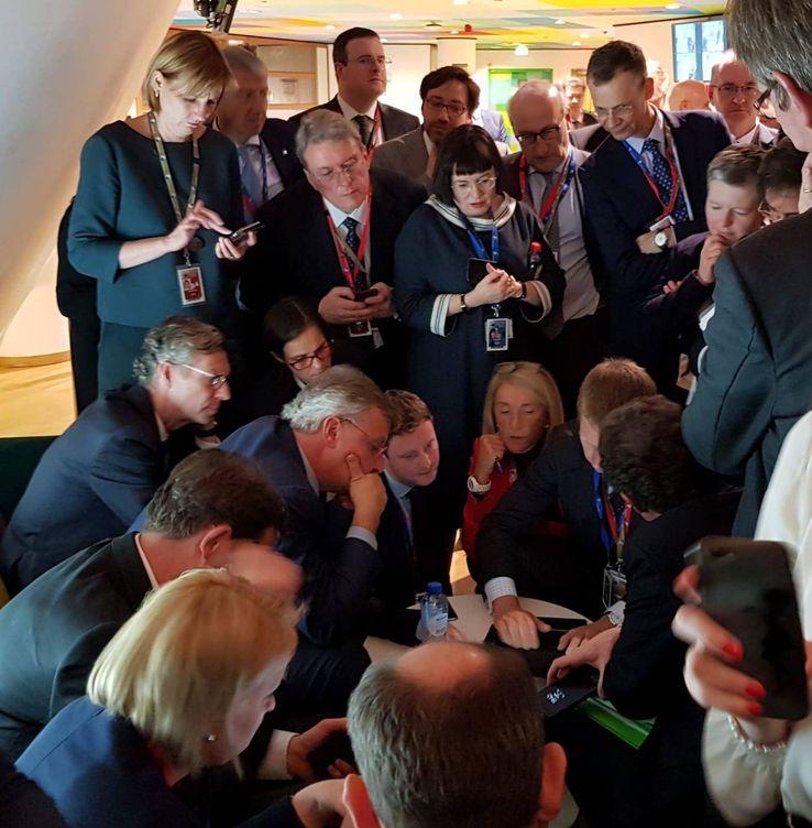 Foto: Altos funcionarios de la UE discuten cómo lograr una salida de emergencia al Brexit.
