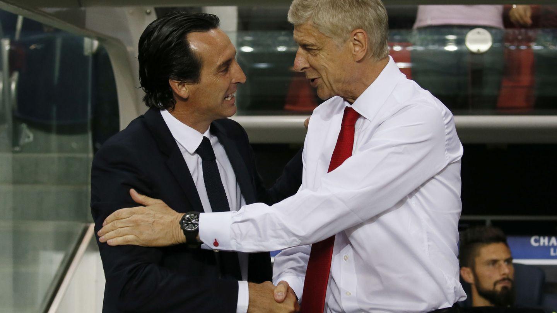 Unai Emery y Arsène Wenger, cuando PSG y Arsenal se enfrentaron en la Champions. (Reuters)