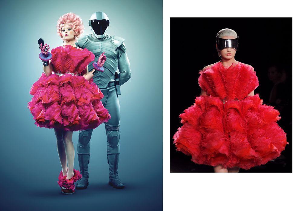 Foto: Elizabeth Banks con un modelo de Alexander McQueen, y a la dcha., sobre la pasarela