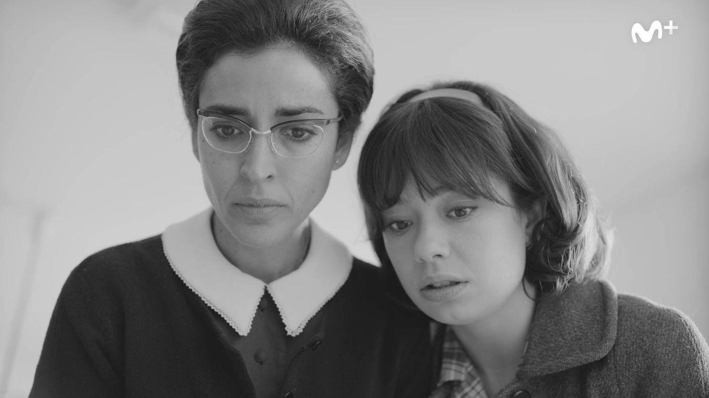 Inma Cuesta y Anna Castillo, en la serie 'Arde Madrid'. (Movistar )